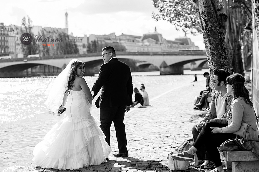 intimate wedding in paris