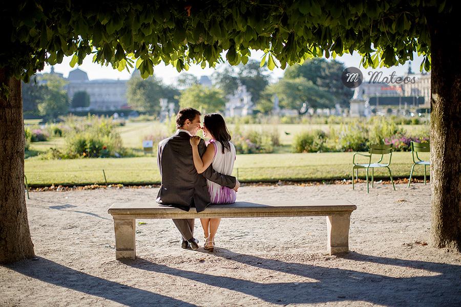 paris photographer for pre wedding session in paris 02