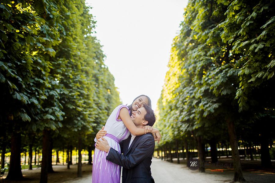 paris photographer for pre wedding session in paris 06
