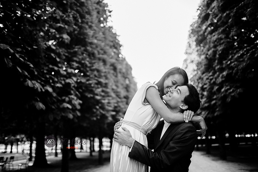 paris photographer for pre wedding session in paris 07