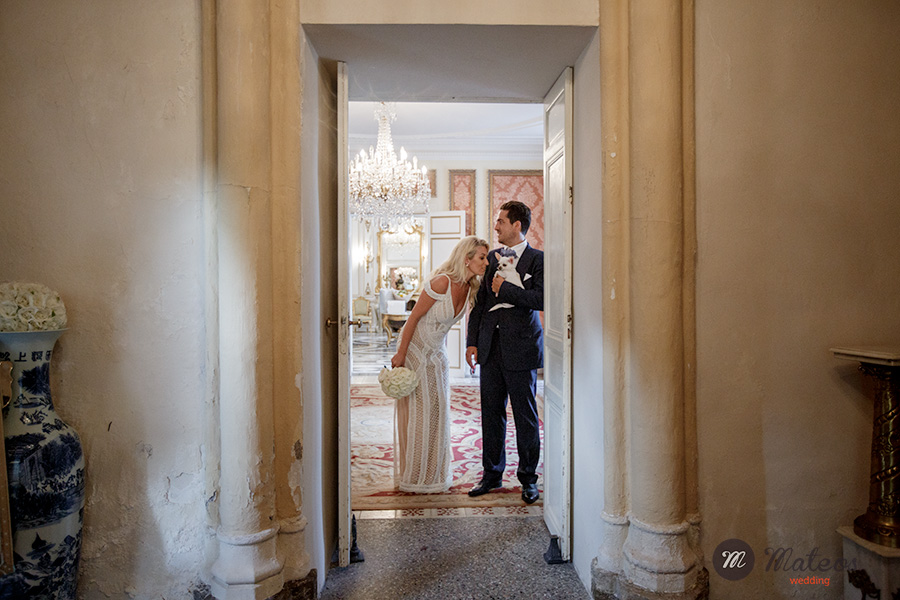 wedding at chateau de robernier, provence