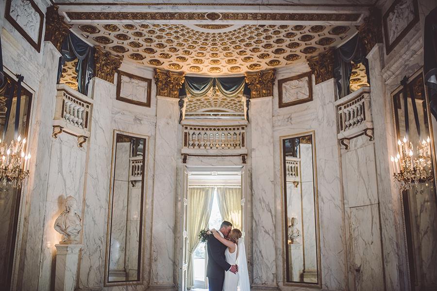 elopement in Pavillon de musique