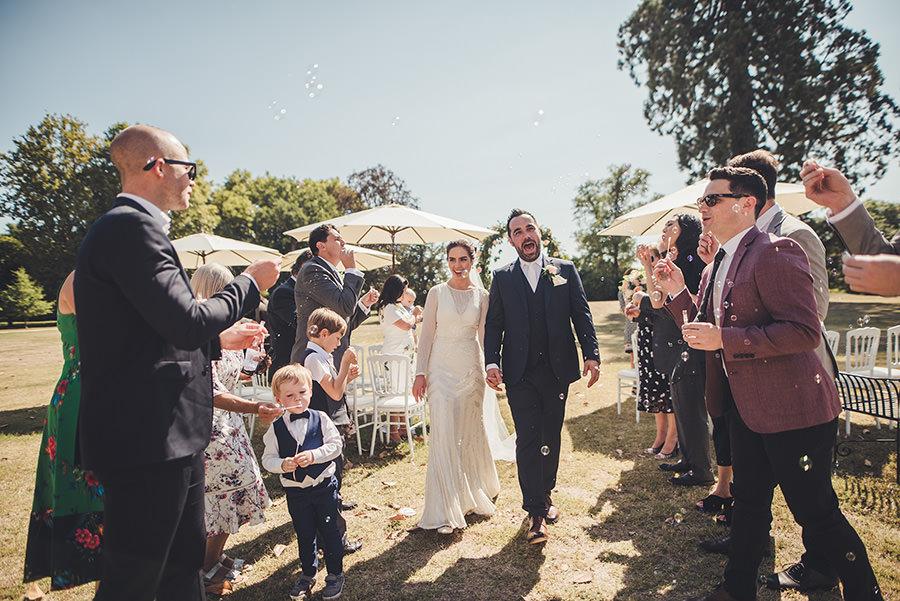 wedding at chateau mas des montets in dordogne